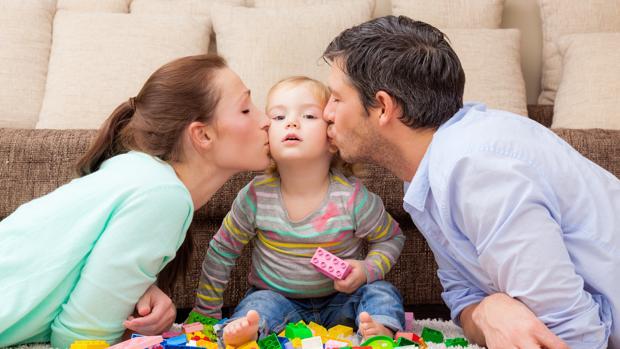 Hacienda ordena al Fisco devolver el IRPF por maternidad y paternidad y otras noticias económicas
